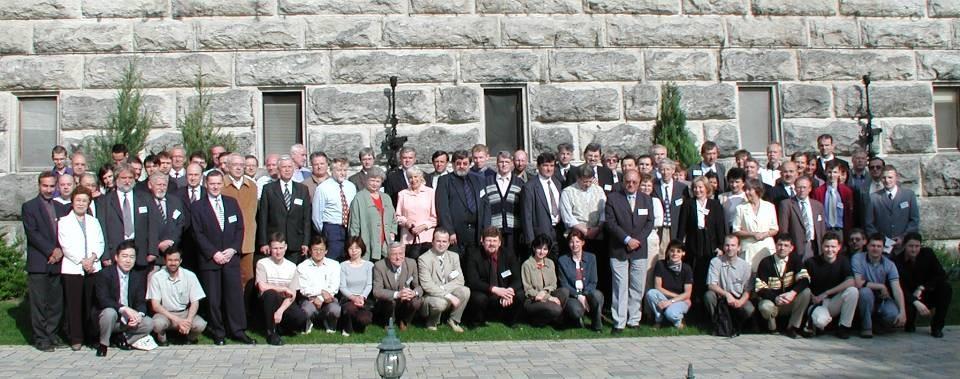 M2005 účastníci